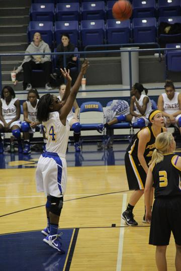 Lady Tigers on a roll