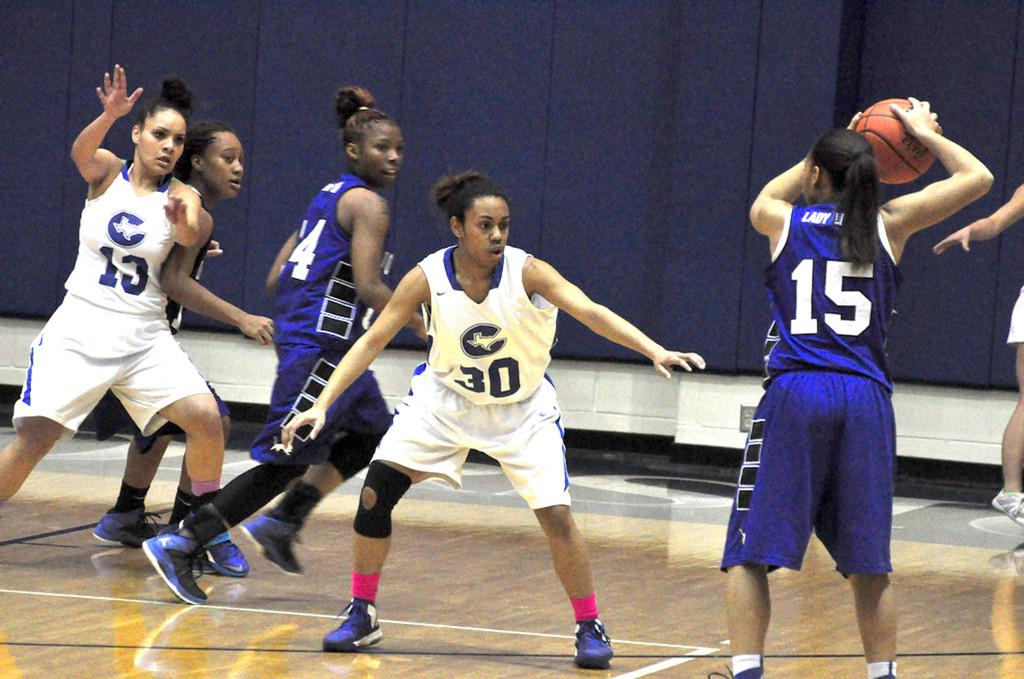 Girls' Basketball Advancing to Playoffs